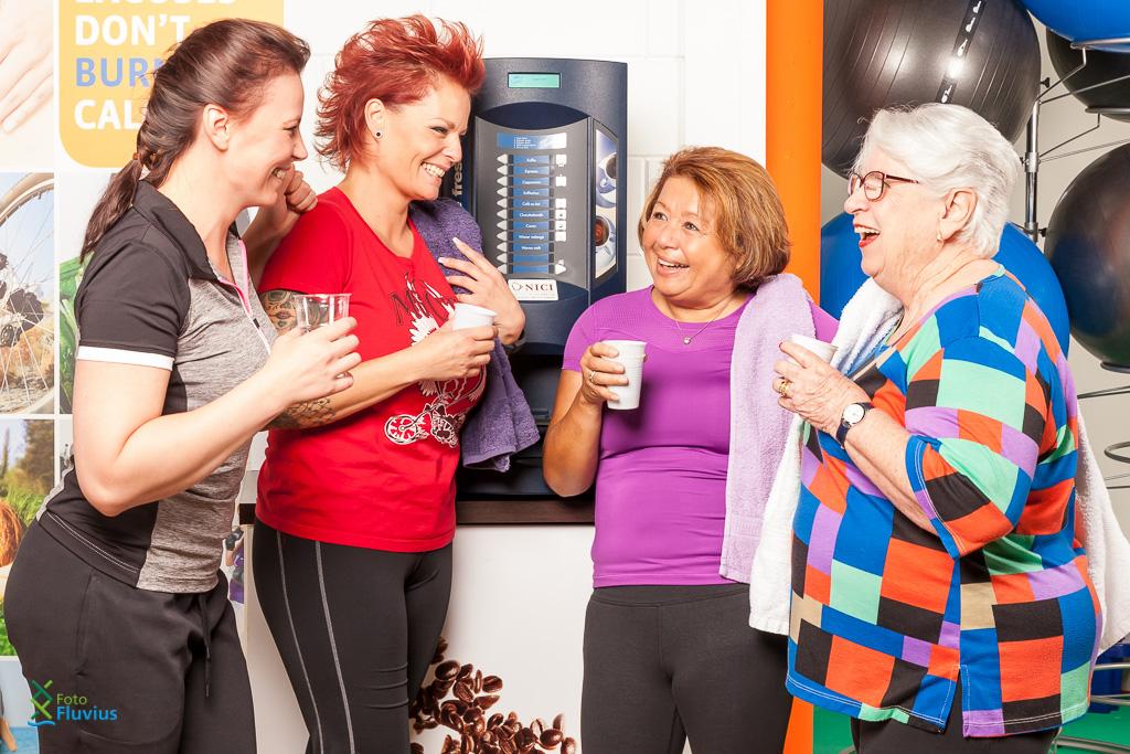 Sfeerfoto fitness dames gezellig