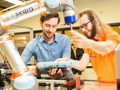Techniekstudenten robotica - FotoFluvius